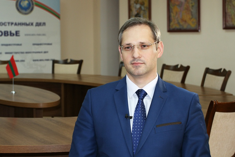 Daur Kove congratulated Vitaly Ignatiev on the occasion of the Diplomatic Officer Day