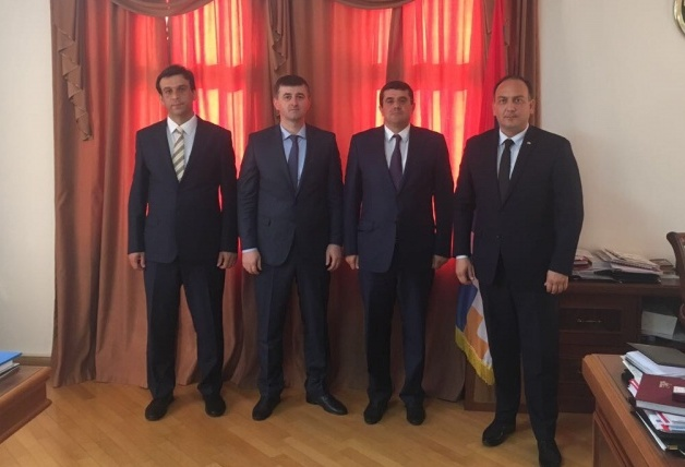 The Abkhazian Foreign Ministry delegation met with Araik Harutyunyan