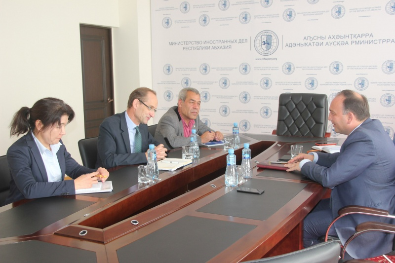 On the meeting with Johannes van der Klaauw, the regional representative of the UNHCR UN in the south Caucasus.