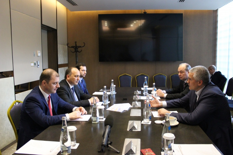Daur Kove, the Minister of Foreign Affairs of the Republic of Abkhazia and Adgur Ardzinba, the Minister of Economy met with Sergey Aksyonov, the head of the Republic of Crimea at the International Economic Forum