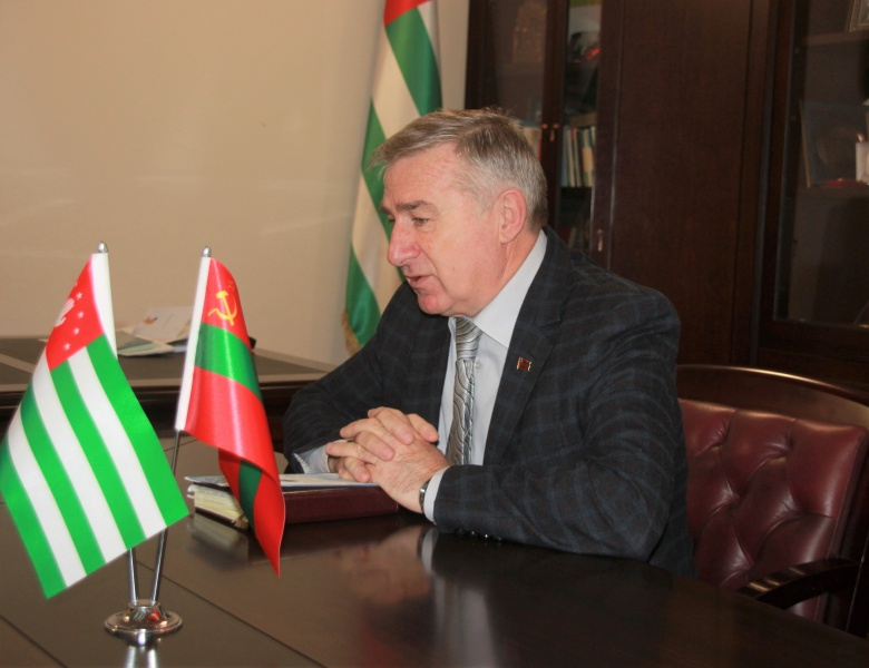 Daur Kove congratulated Harry Kupalba on the occasion of the 13-th anniversary of the establishment of the Official Representation of the PMR in the Republic of Abkhazia