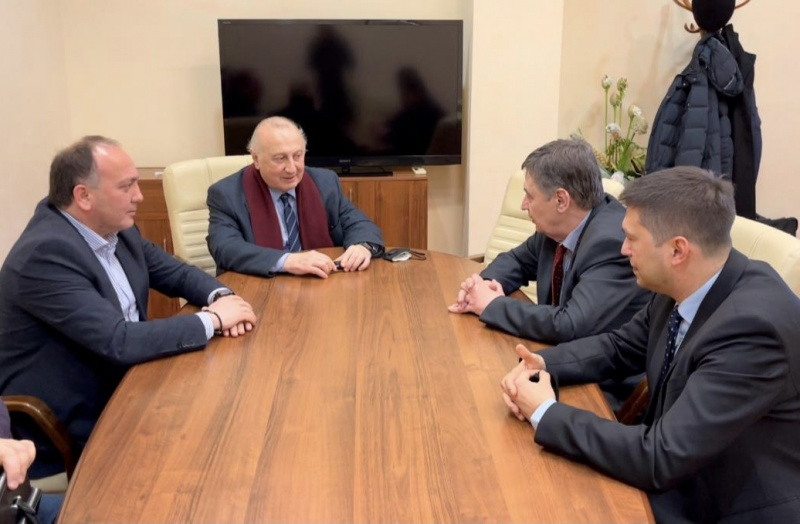 Foreign Minister of Abkhazia arrives in Moscow on a working visit